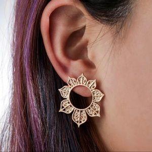 Hollow Round Flower Stud Earrings